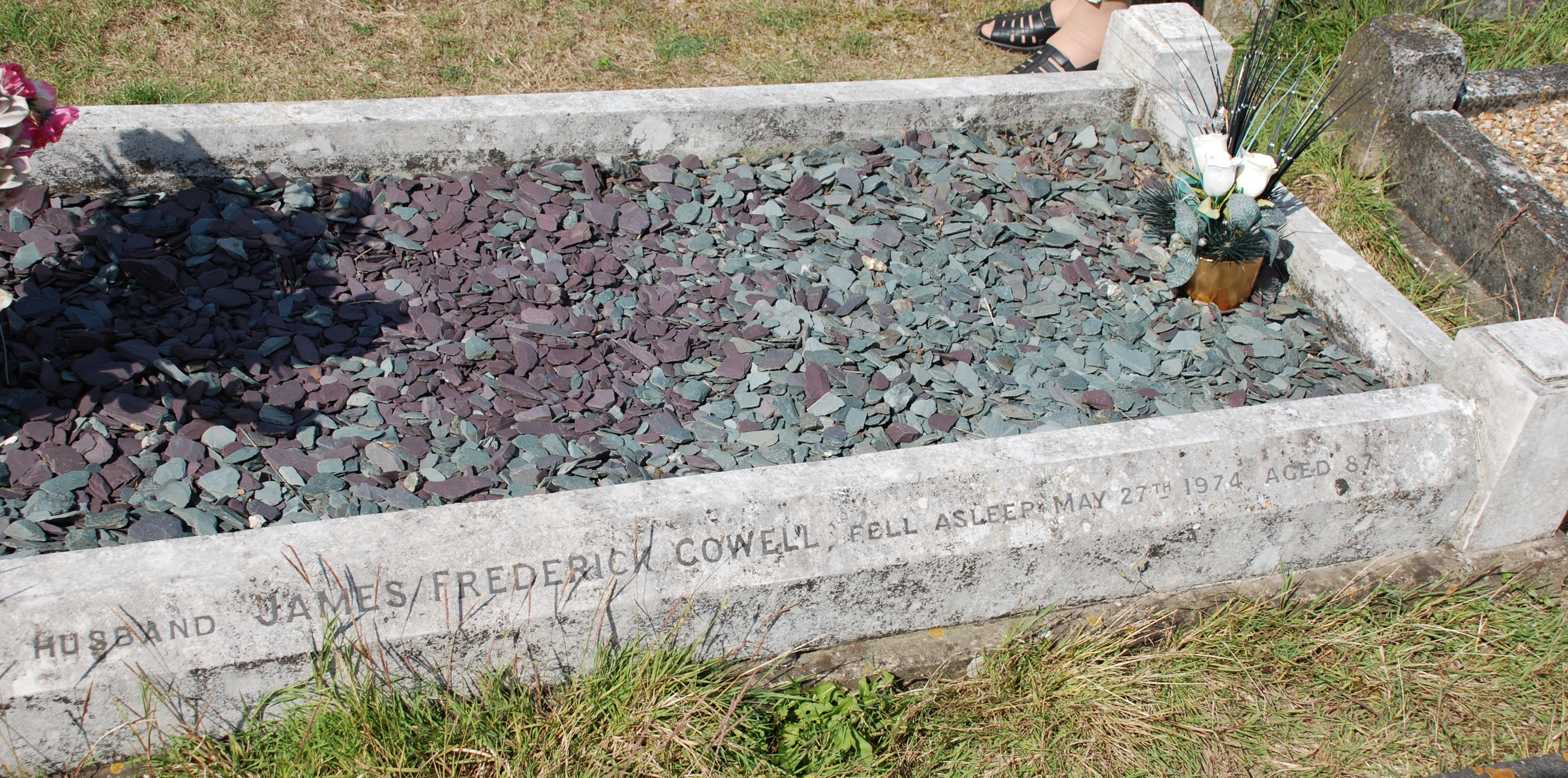 James Cowell - grave
