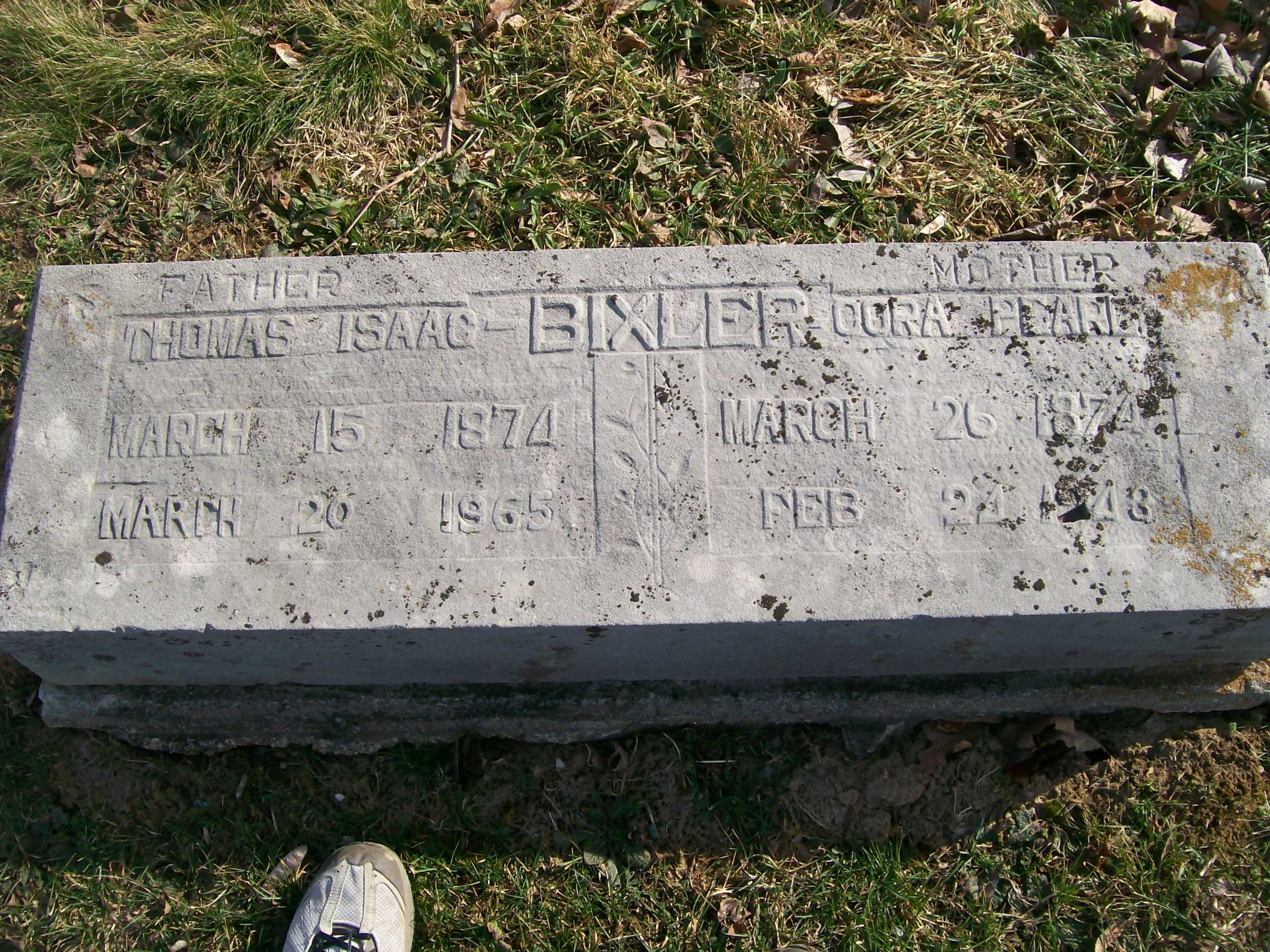 Thomas Bixler - Cora Buford - headstone